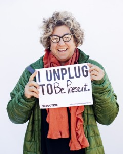 That's funny, because when I unplug, my blogging buddies call me anything but present!